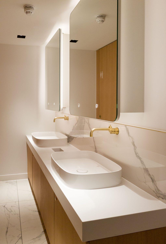 Dolphin Solutions sanitaires et toilettes